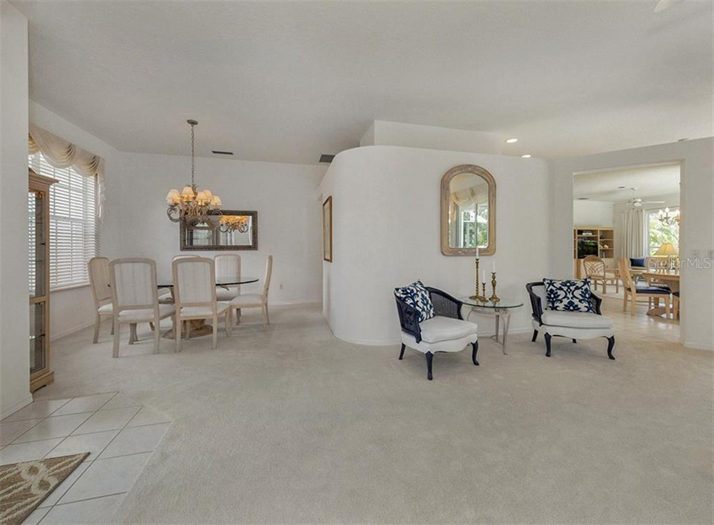 Living / Dining Room - Single Family Home for sale at 122 Ventana Way, Venice, FL 34292 - MLS Number is N5912714
