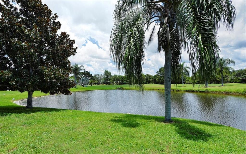 View - Single Family Home for sale at 1930 Innisbrook Ct, Venice, FL 34293 - MLS Number is N5913572