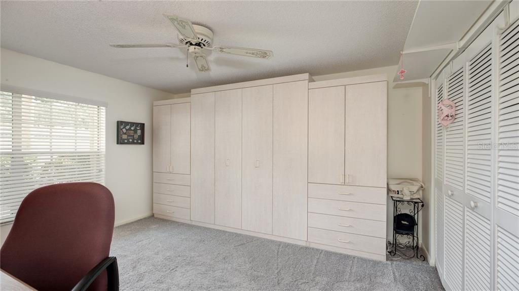 Murphy Bed in Cabinet - Condo for sale at 913 Wexford Blvd #913, Venice, FL 34293 - MLS Number is N5913644