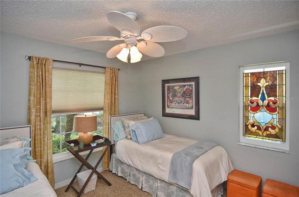 Guest bedroom - Single Family Home for sale at 1812 Ashley Dr, Venice, FL 34292 - MLS Number is N5914047