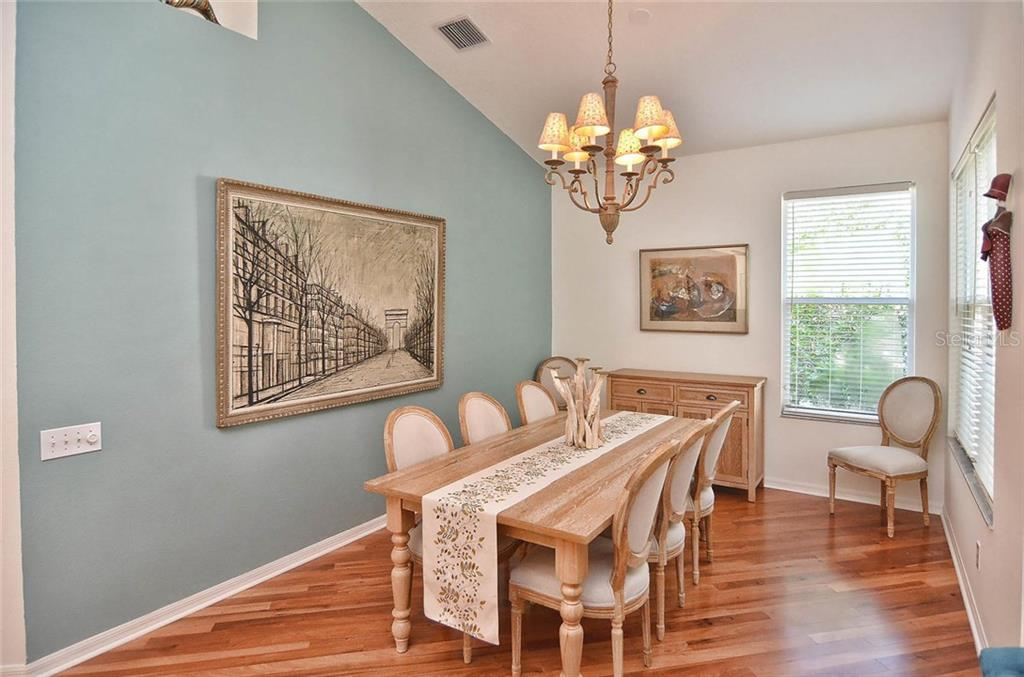 Dining area - Single Family Home for sale at 498 Meadow Sweet Cir, Osprey, FL 34229 - MLS Number is N5914789