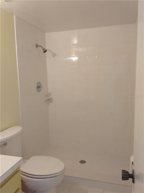 new shower - Condo for sale at 642 White Pine Tree Rd #42, Venice, FL 34285 - MLS Number is N5914922