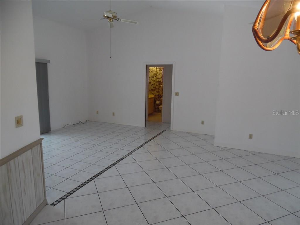 great room looking toward the breakfast area - Single Family Home for sale at 441 Baynard Dr, Venice, FL 34285 - MLS Number is N5915507