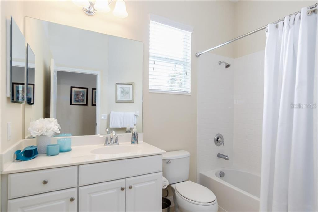 Guest Bathroom - Single Family Home for sale at 368 Marsh Creek Rd, Venice, FL 34292 - MLS Number is N6101204