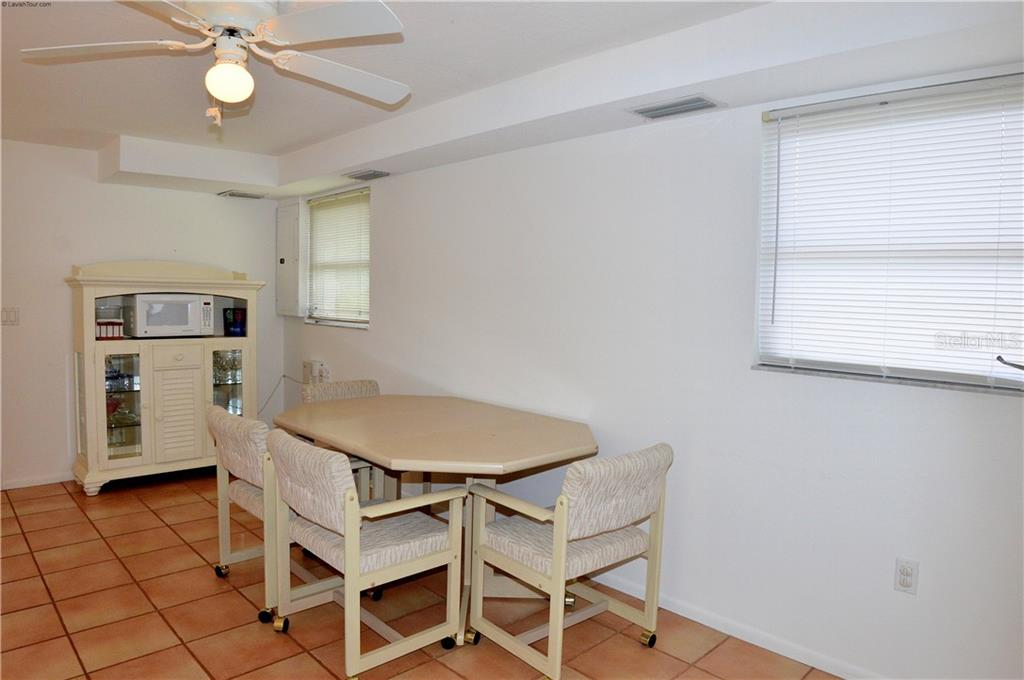 In-law suite dining area - Single Family Home for sale at 609 Armada Rd N, Venice, FL 34285 - MLS Number is N6102952