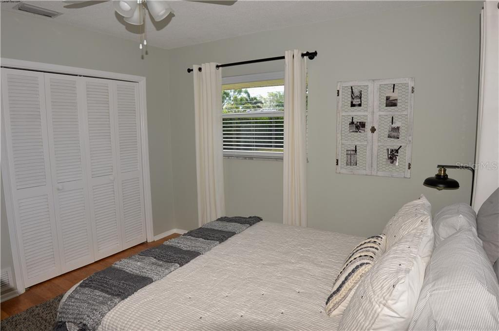 Bedroom 4 - Single Family Home for sale at 400 Park Lane Dr, Venice, FL 34285 - MLS Number is N6103786