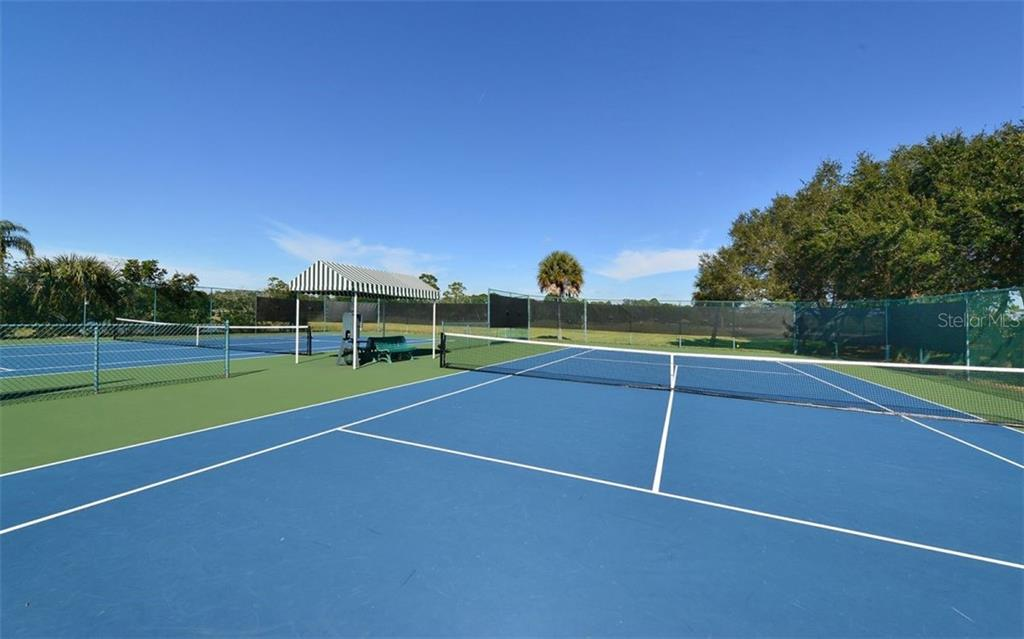 Tennis courts - Single Family Home for sale at 821 Adonis Pl, Venice, FL 34292 - MLS Number is N6104303
