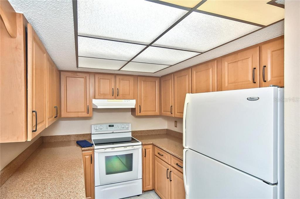 Kitchen - Single Family Home for sale at 1139 Ketch Ln, Venice, FL 34285 - MLS Number is N6105656