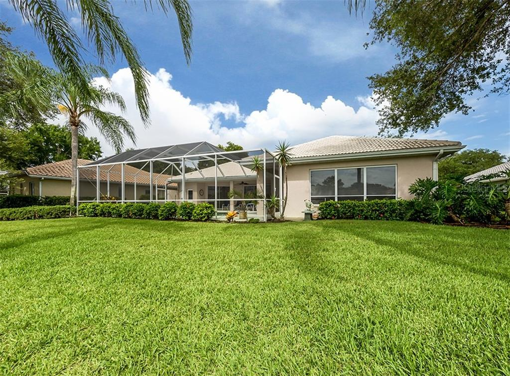 Single Family Home for sale at 318 Venice Golf Club Dr, Venice, FL 34292 - MLS Number is N6106213