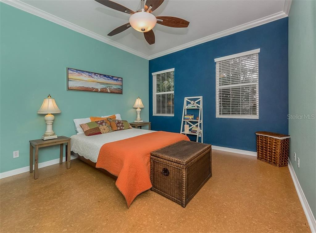 Master bedroom - Condo for sale at 806 Ravinia Cir #806, Venice, FL 34292 - MLS Number is N6106331