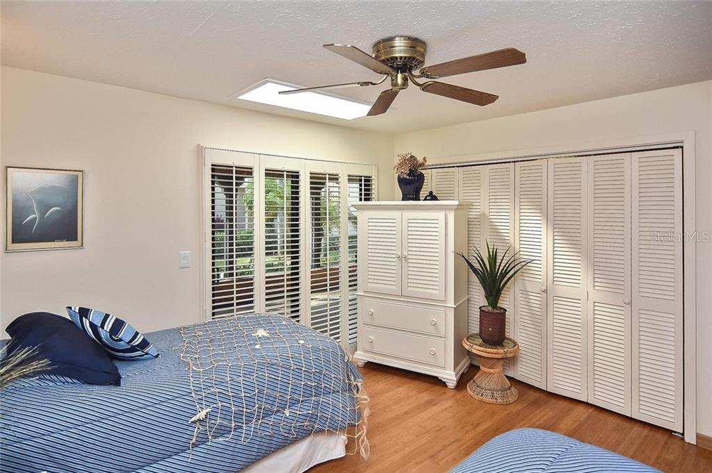 Guest bedroom - Condo for sale at 718 Golden Beach Blvd #3, Venice, FL 34285 - MLS Number is N6107011