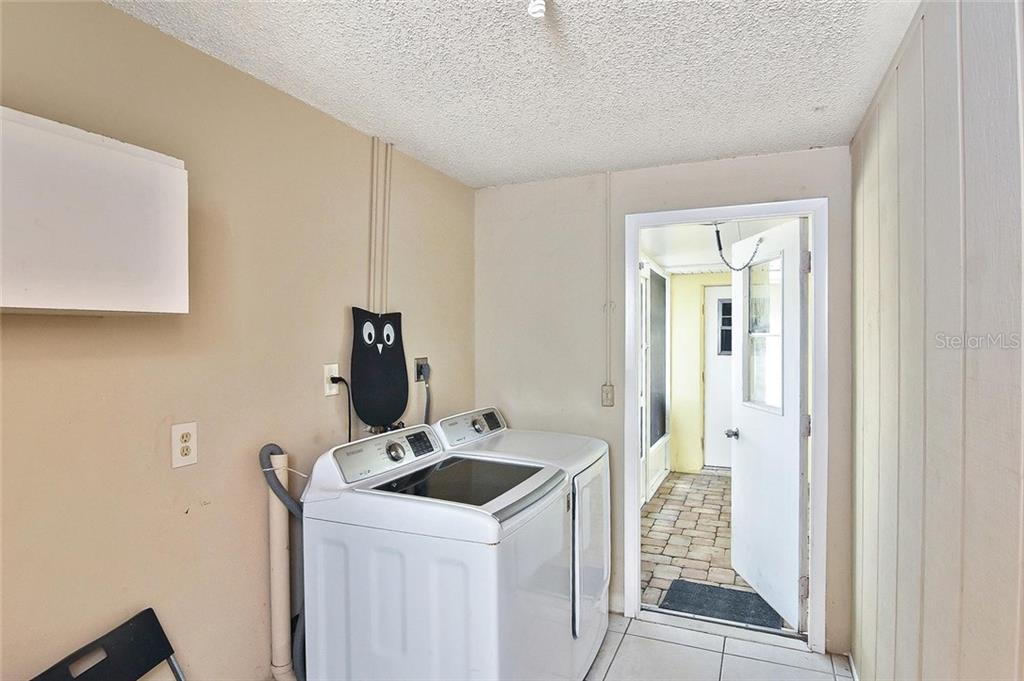 Laundry room - Single Family Home for sale at 615 Lehigh Rd, Venice, FL 34293 - MLS Number is N6108175