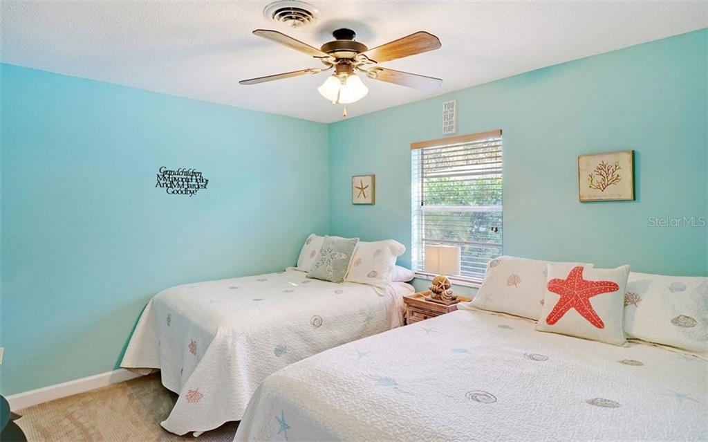Guest bedroom 2 - Single Family Home for sale at 925 Bayshore Rd, Nokomis, FL 34275 - MLS Number is N6108586