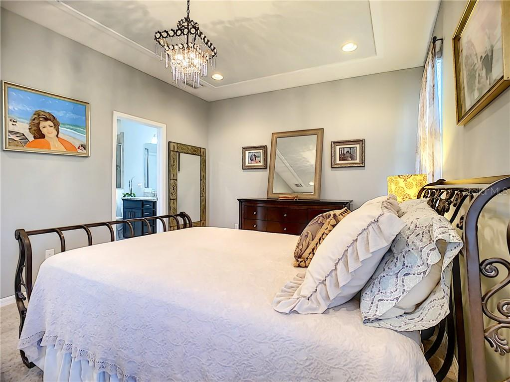 Master Bed - Condo for sale at 3211 Oriole Dr #104, Sarasota, FL 34243 - MLS Number is N6109438