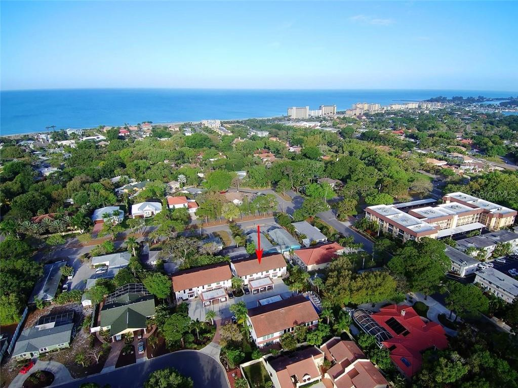 2 blocks to the beach. - Condo for sale at 448 Palmetto Ct #B5, Venice, FL 34285 - MLS Number is N6109553