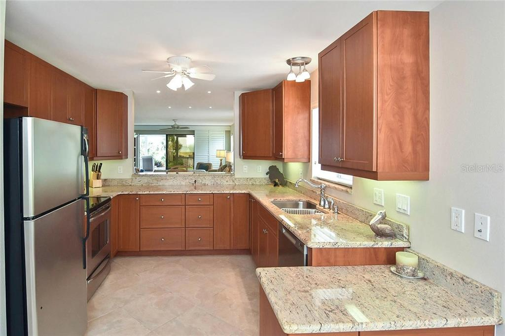 Kitchen - Condo for sale at 862 Golden Beach Blvd #862, Venice, FL 34285 - MLS Number is N6110157