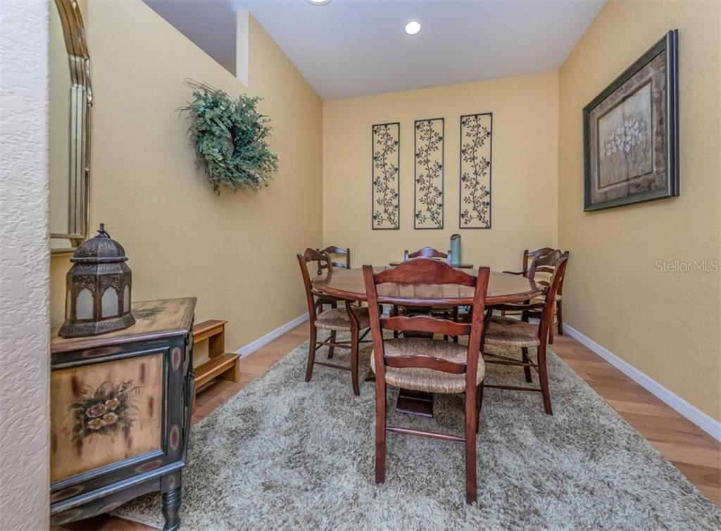 Living room - Villa for sale at 1244 Berkshire Cir, Venice, FL 34292 - MLS Number is N6110278