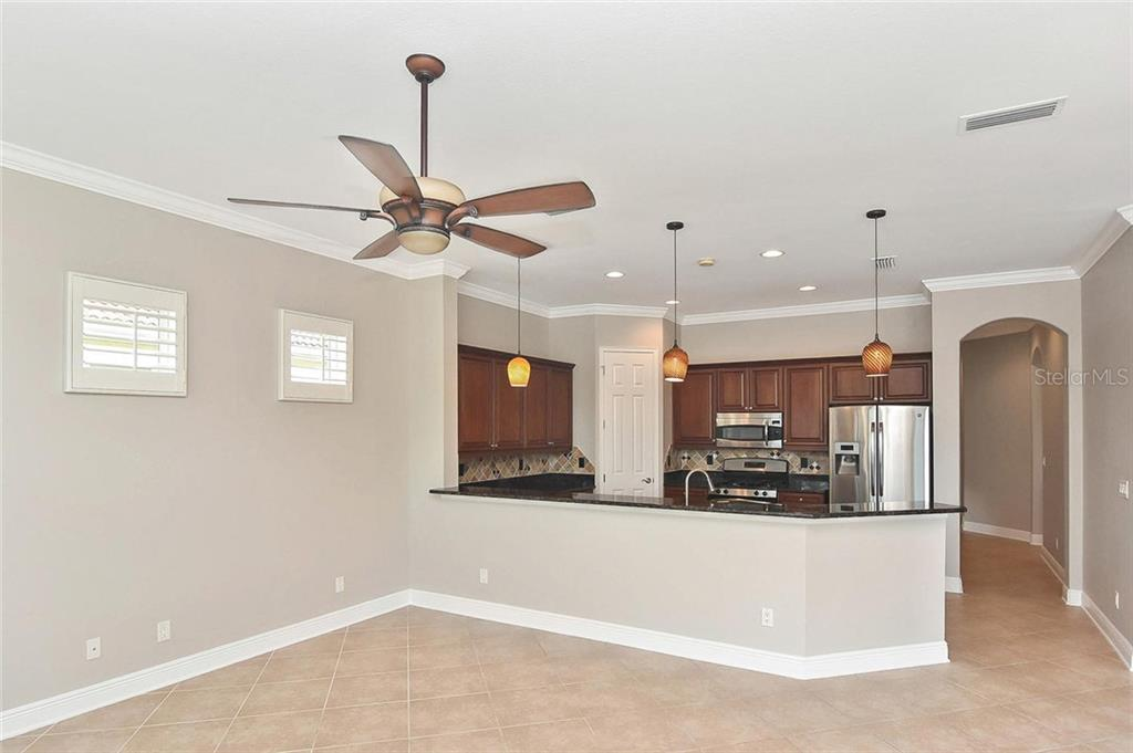 Breakfast bar, kitchen - Single Family Home for sale at 193 Medici Ter, North Venice, FL 34275 - MLS Number is N6110365