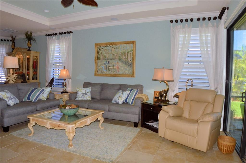 Living room - Villa for sale at 20117 Tesoro Dr, Venice, FL 34293 - MLS Number is N6111641