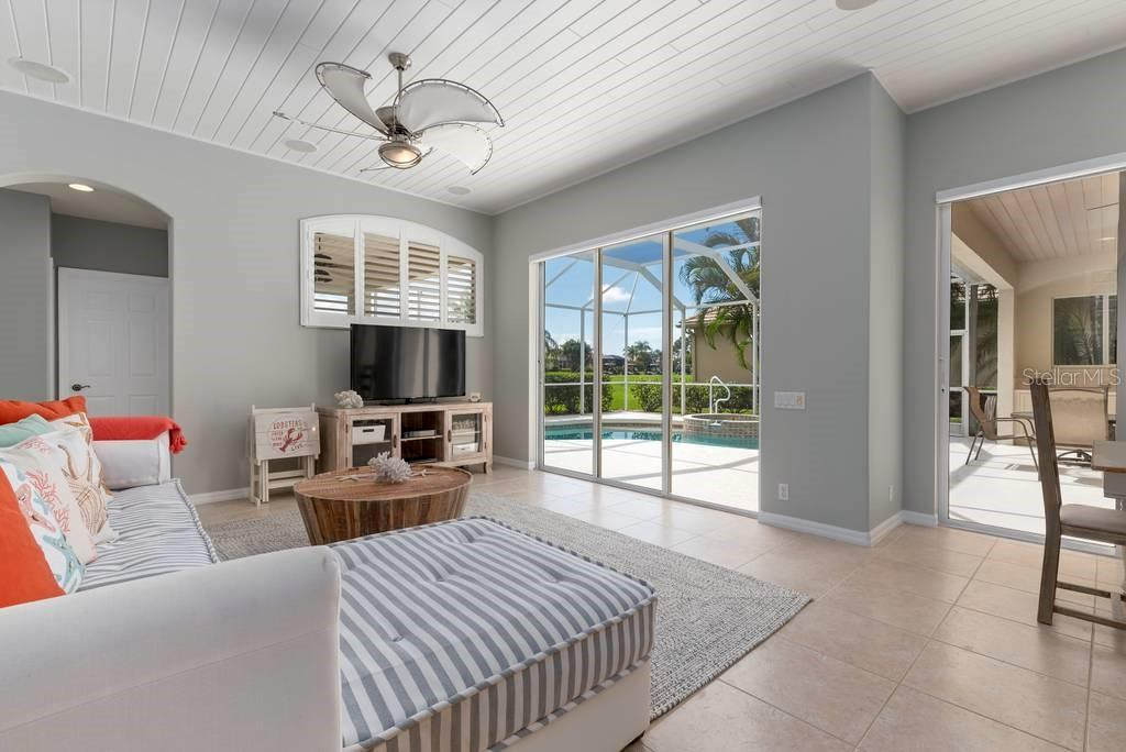 Leisure room - Single Family Home for sale at 601 Cockatoo Cir, Venice, FL 34285 - MLS Number is N6111658