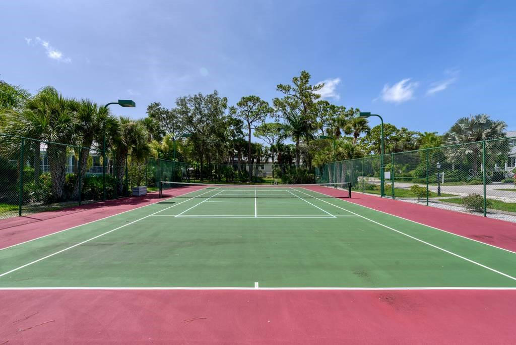 Tennis - Single Family Home for sale at 725 Eagle Point Dr, Venice, FL 34285 - MLS Number is N6111842