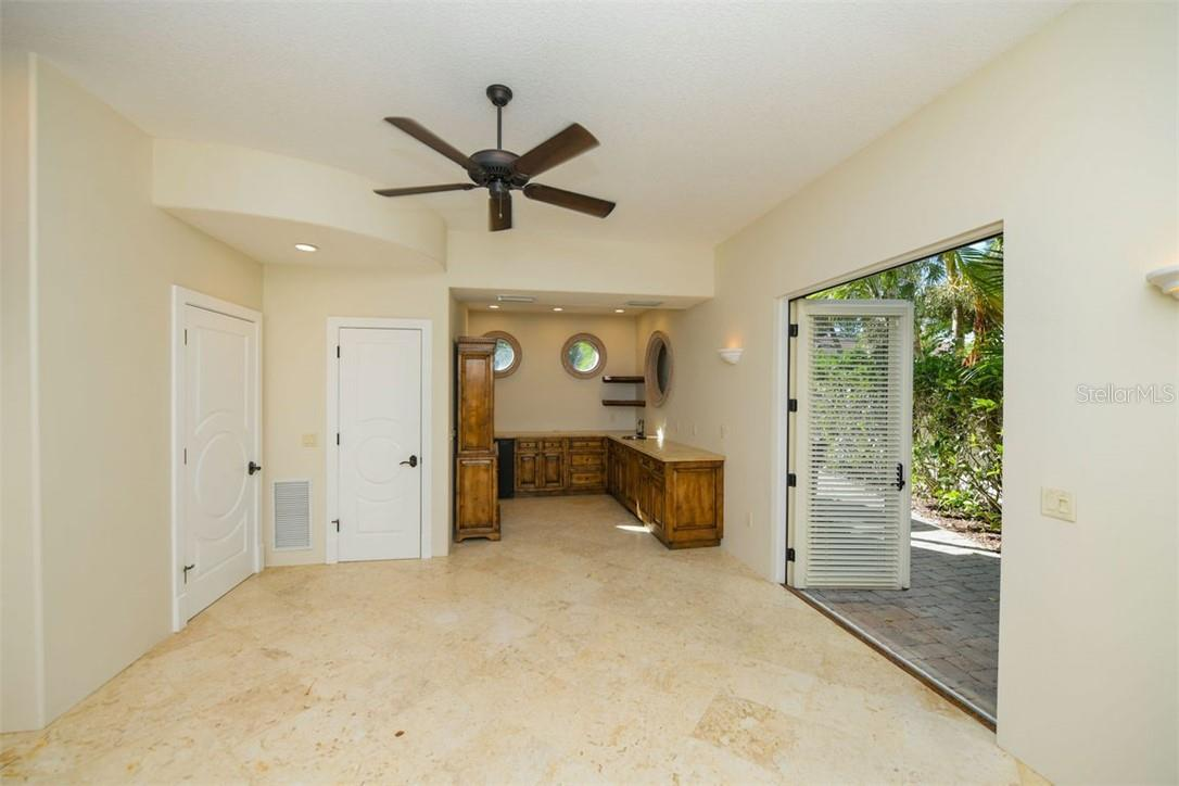 Single Family Home for sale at 3860 Casey Key Rd, Nokomis, FL 34275 - MLS Number is N6112510
