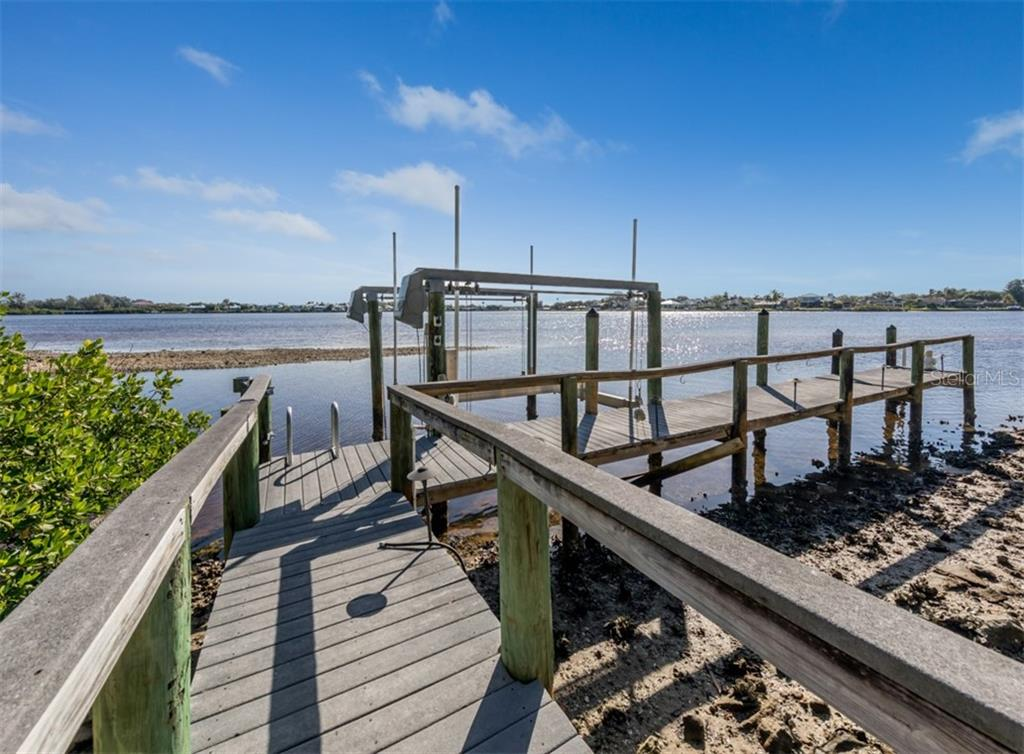 Dock - Single Family Home for sale at 453 Anchorage Dr, Nokomis, FL 34275 - MLS Number is N6112707