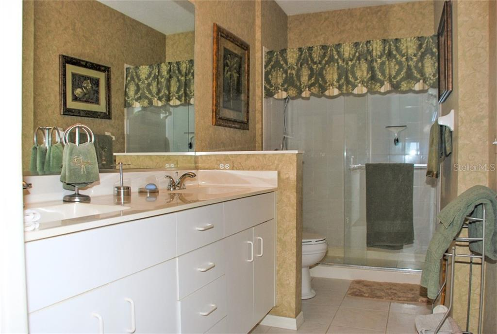 Master bathroom - Condo for sale at 406 Laurel Lake Dr #203, Venice, FL 34292 - MLS Number is N6113915