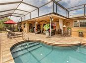 Pool/lanai - Single Family Home for sale at 925 Harbor Dr S, Venice, FL 34285 - MLS Number is N5913682