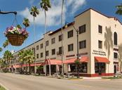 Downtown Venice - Condo for sale at 1761 Auburn Lakes Dr #22, Venice, FL 34292 - MLS Number is N6106204