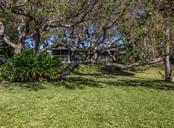 Large yard - Single Family Home for sale at 915 Bayshore Rd, Nokomis, FL 34275 - MLS Number is N6109471