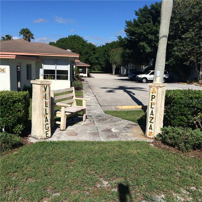 Additional photo for property listing at 5610 & 5620 Gulf Of Mexico Dr #1 5610 & 5620 Gulf Of Mexico Dr #1 Longboat Key, Florida,34228 Estados Unidos