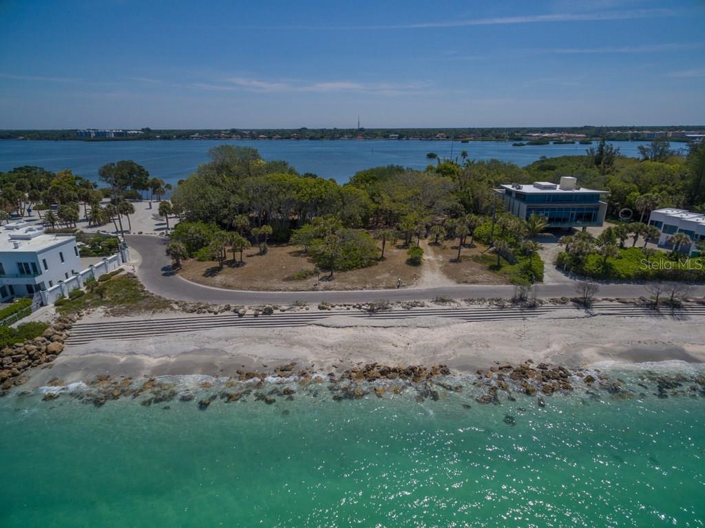 Additional photo for property listing at 332 N Casey Key Rd 332 N Casey Key Rd Osprey, Florida,34229 United States