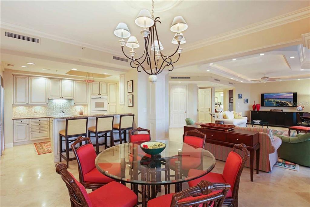 Additional photo for property listing at 35 Watergate Dr #1003 35 Watergate Dr #1003 Sarasota, Florida,34236 Estados Unidos