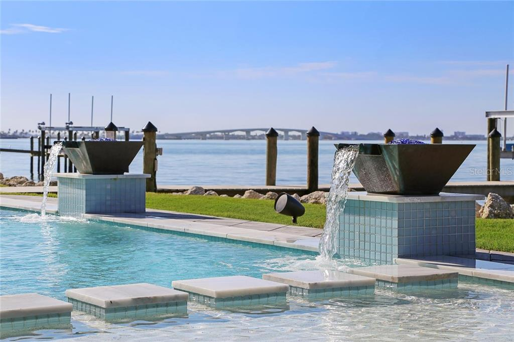 Additional photo for property listing at 1001 Tocobaga Ln 1001 Tocobaga Ln Sarasota, Флорида,34236 Соединенные Штаты