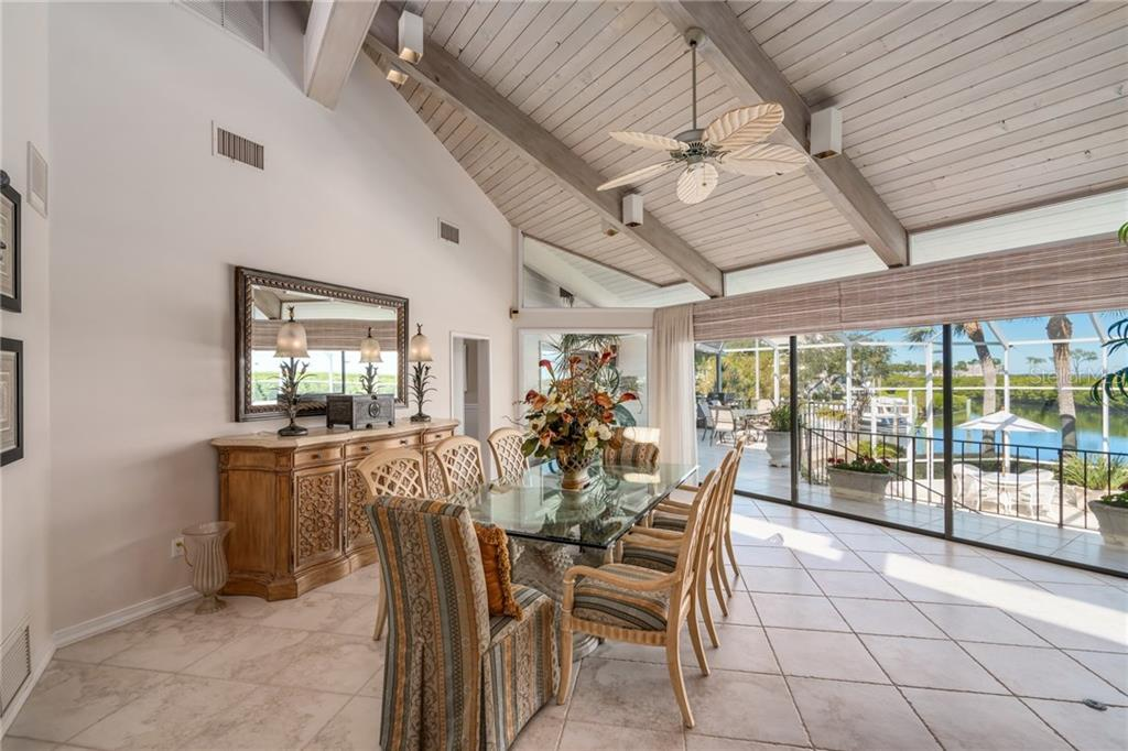 Additional photo for property listing at 1640 Harbor Cay Ln 1640 Harbor Cay Ln Longboat Key, Florida,34228 États-Unis