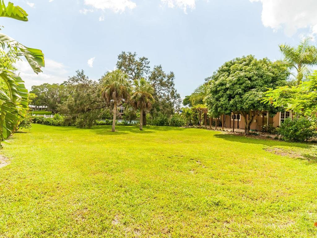 Duplex/Triplex for sale at 2125 & 2119 Montclair Dr #1 & 2, Sarasota, FL 34231 - MLS Number is A4415225
