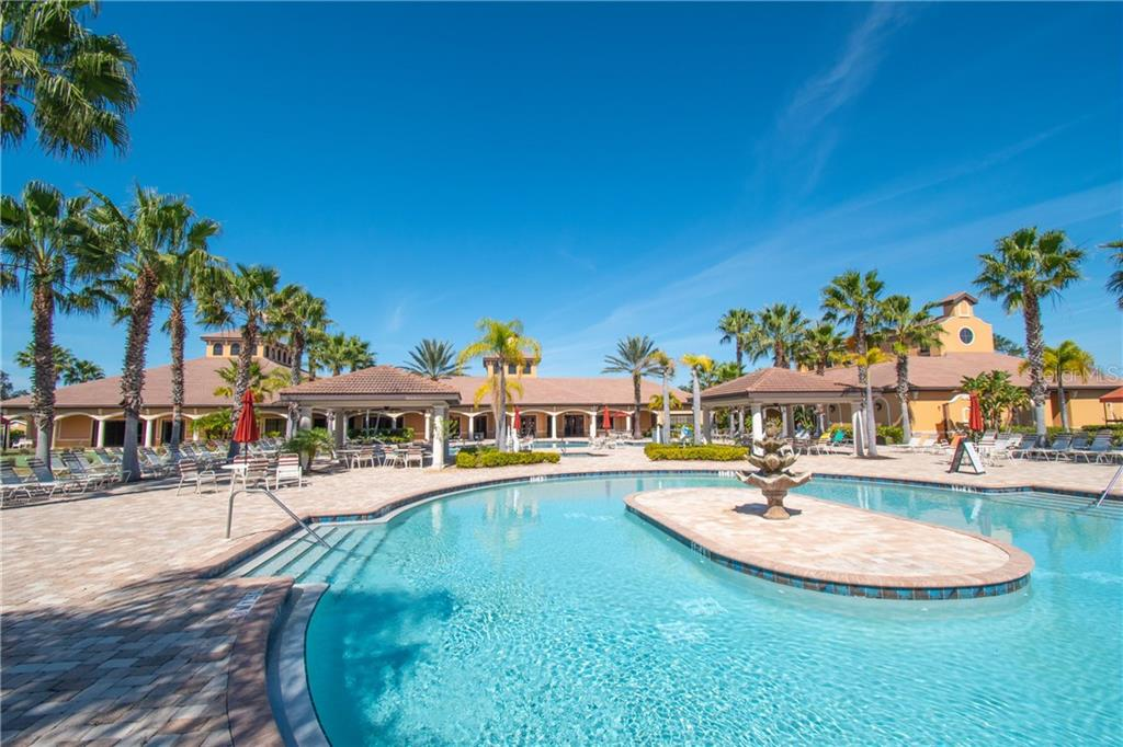 Community Pool area - Villa for sale at 1808 Batello Dr, Venice, FL 34292 - MLS Number is A4426491