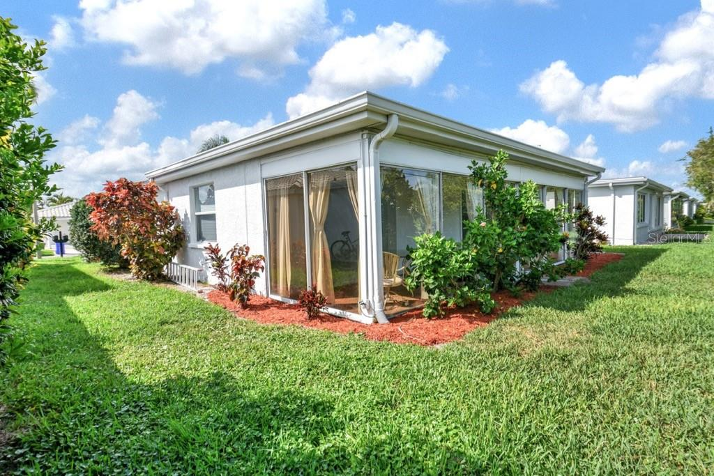 717 Spanish Dr N backyard - Villa for sale at 717 Spanish Dr N, Longboat Key, FL 34228 - MLS Number is A4438337