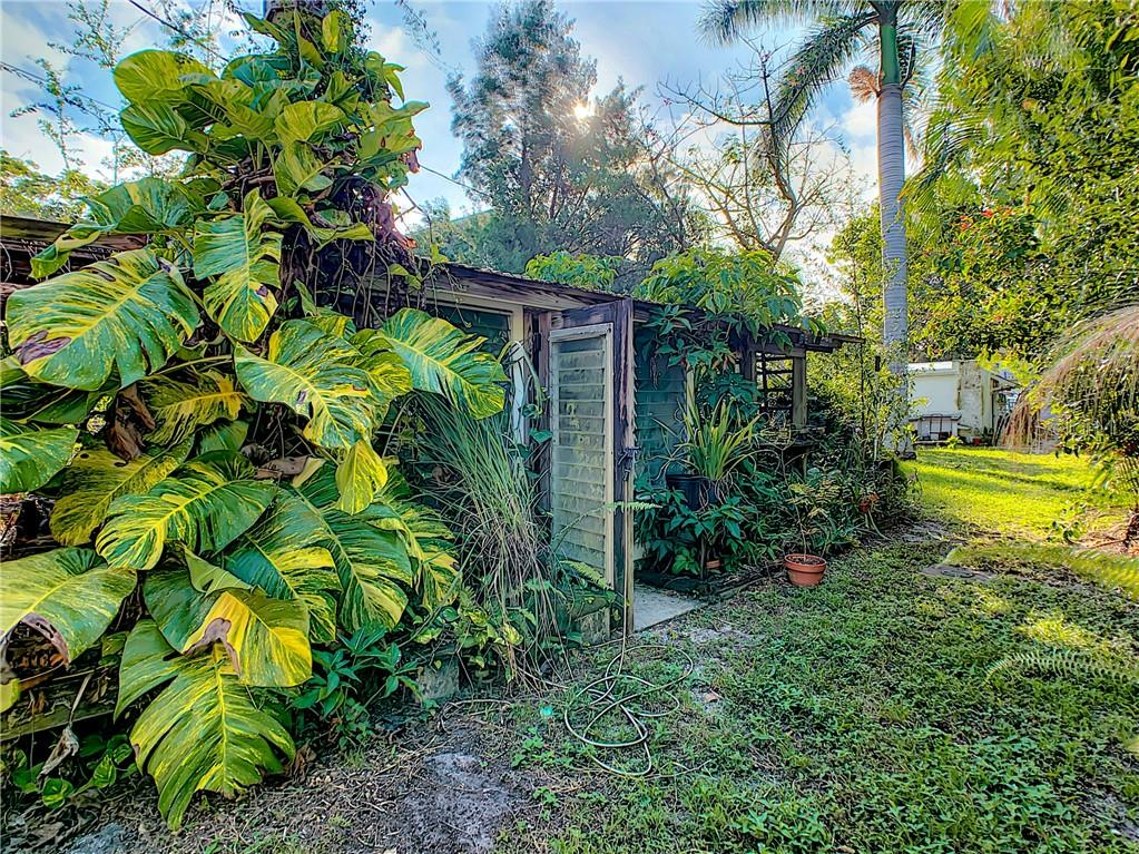 Single Family Home for sale at 7602 Senrab Dr, Bradenton, FL 34209 - MLS Number is A4446537