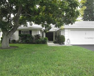7421 W Country Club Dr N, Sarasota, FL 34243