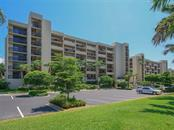 1085 Gulf Of Mexico Dr #402, Longboat Key, FL 34228