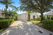 8453 Idlewood Ct, Lakewood Ranch, FL 34202