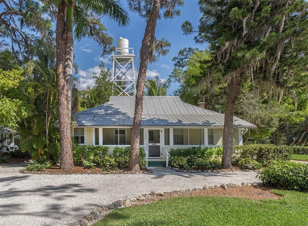 Eagle Point guest house - Single Family Home for sale at 743 Eagle Point Dr, Venice, FL 34285 - MLS Number is N6101092