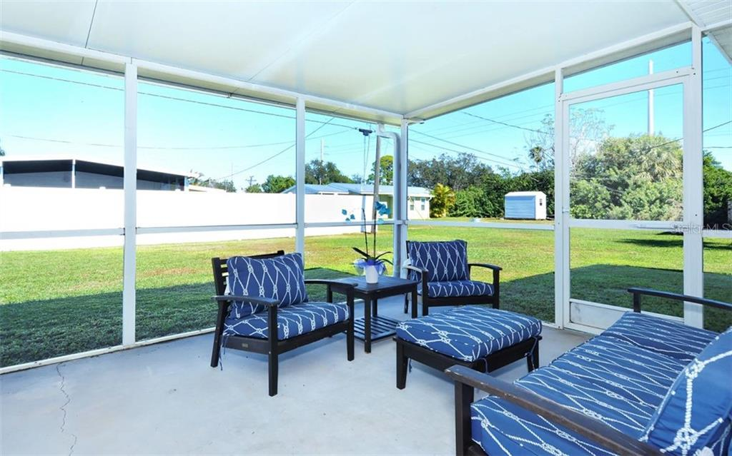 Lanai - Single Family Home for sale at 227 Redwood Rd, Venice, FL 34293 - MLS Number is N6103942