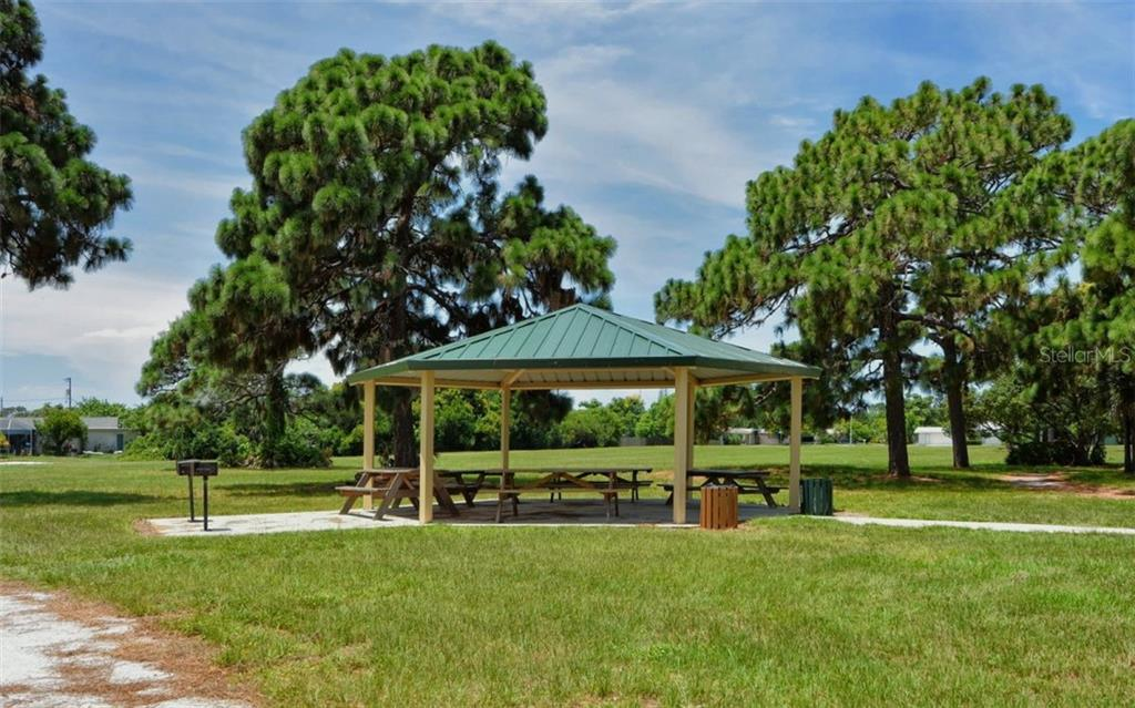 Picnic area - Single Family Home for sale at 227 Redwood Rd, Venice, FL 34293 - MLS Number is N6103942