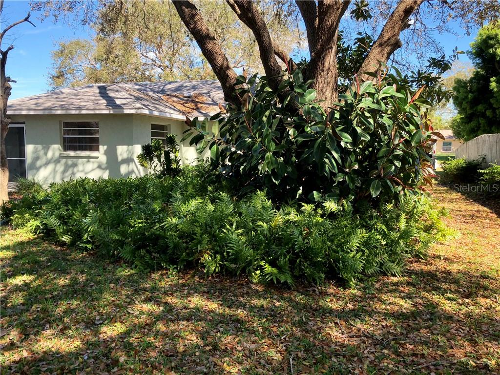 Single Family Home for sale at 7308 Claries Dr, Sarasota, FL 34243 - MLS Number is N6104451